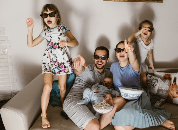 4. Plan a family movie night. | Williamson Realty Vacations