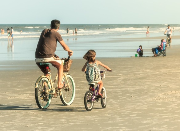 7. Take a bike ride.  | Williamson Realty Vacations